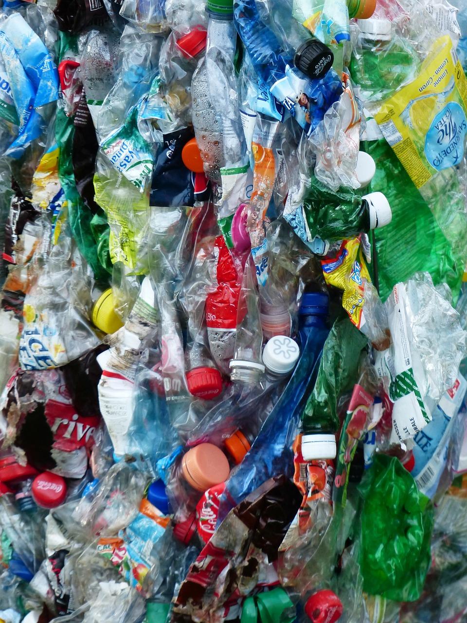 Bijna alle gemeenten voor statiegeld op plastic én blikjes